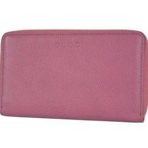 NWT Gucci XL Pink Leather Zip Wallet  321117